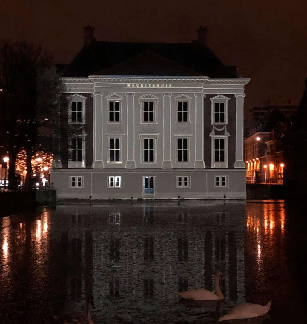 Interactive projection mapping setup Mauritshuis